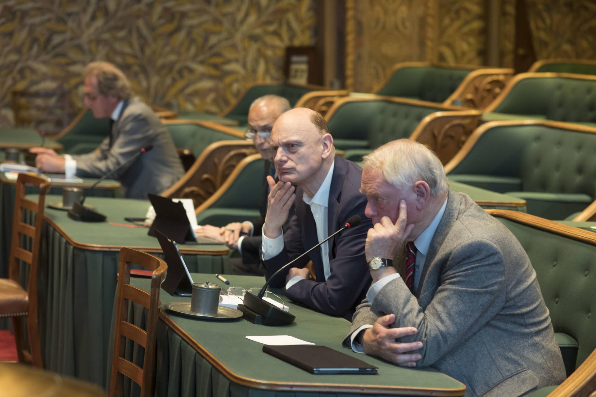 eerste kamer der statengeneraal kamer hoort deskundigen